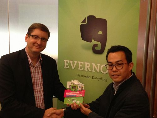 Evernote And Starhub Signing MOU