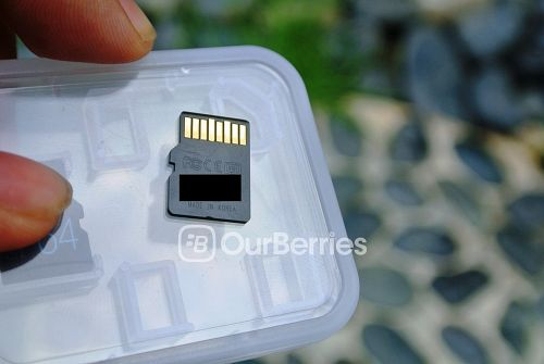 Lexar High-Performance UHS-I microSD [300x] back