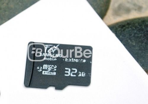 'OEM For Samsung Extreme' MicroSD (32GB) Front
