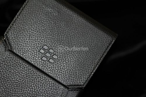 BlackBerry Passport Leather Swivel Holster Front closed