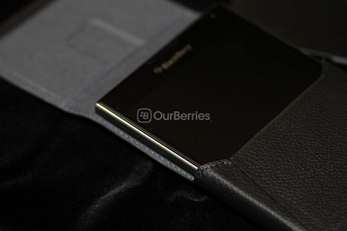 BlackBerry Passport Leather Swivel Holster Phone within pouch