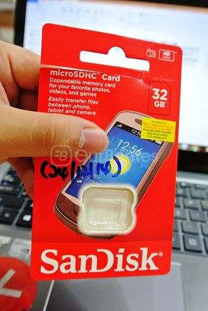 SanDisk 32GB Class 4