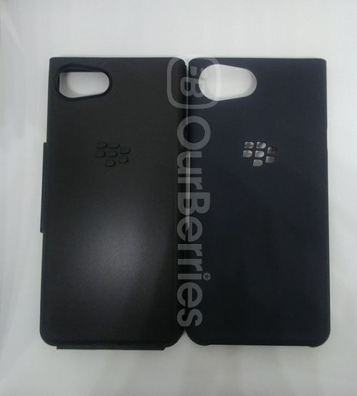 BlackBerry KEYone Official Hardshell Case opened up